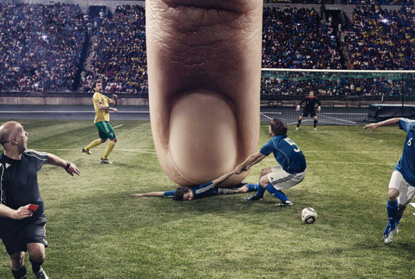 93 percent of games can be played with one finger only